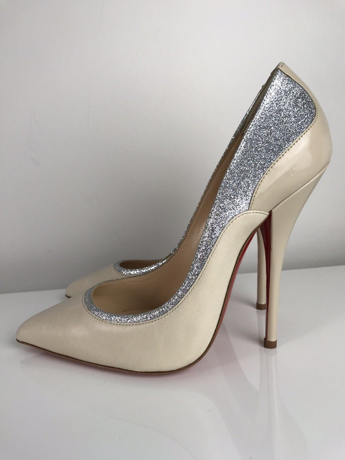 688dfc293f8 Christian Louboutin Tucsy 100 Glitter Beige Leather Heels in 2019 ...