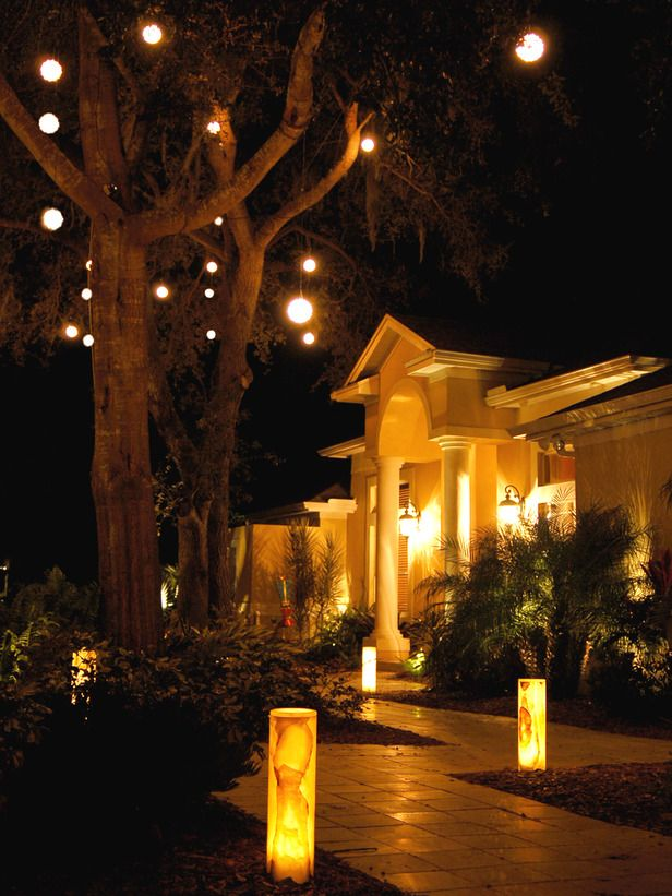 Lighting Is Everything Even Outdoors A Well Lit Home At Night Not Only Offers Gorgeous Curb Appea Modern Landscape Lighting Outdoor Rooms Front Yard Lighting