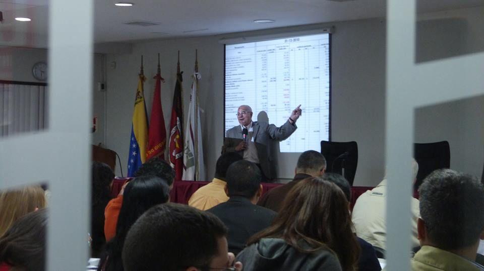 """Charla """"Ley de Precios Justos"""" Lic. Roberto Salaverría"""