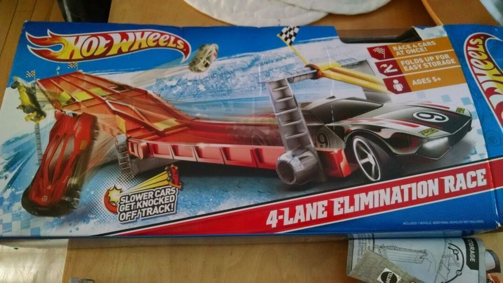 Hot Wheels 4 Lane Elimination Track Euc Comes In Original Box With