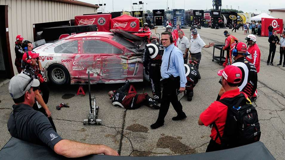 Kyle Larson's Chase hopes take a hit in Pure Michigan 400