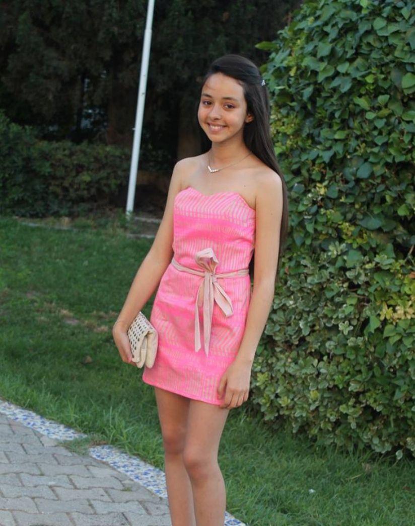سبع ميزات في صور أجمل بنات مراهقات تجعل الجميع يحبونها صور أجمل بنات مراهقات Fashion Dresses Strapless Dress