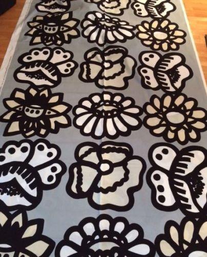 Marimekko-Kimalainen-half-yard-from-Finland-cotton-flowers