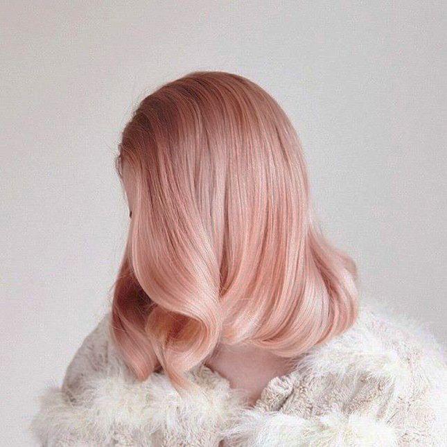 Pelo color rosa dorado