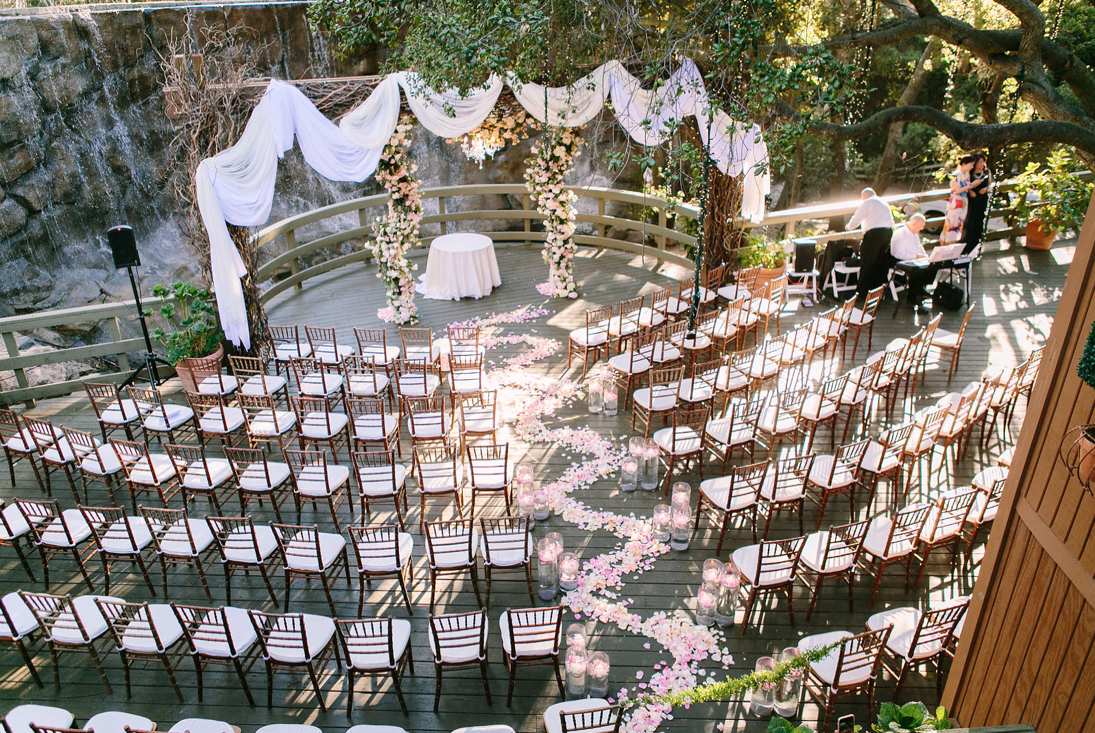 The Oak Room At Calamigos Ranch Pc Brianleahyphoto Calamigos Ranch Wedding Calamigos Ranch Ranch Wedding