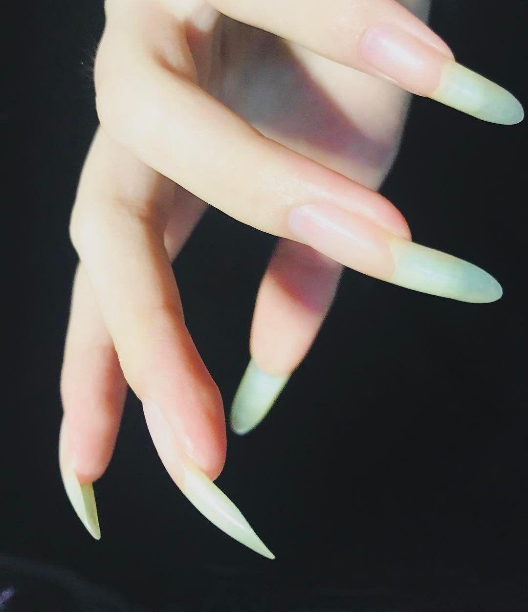 longnails #beautifulnails #mynails #handmodel #hand #nails #nailsart ...
