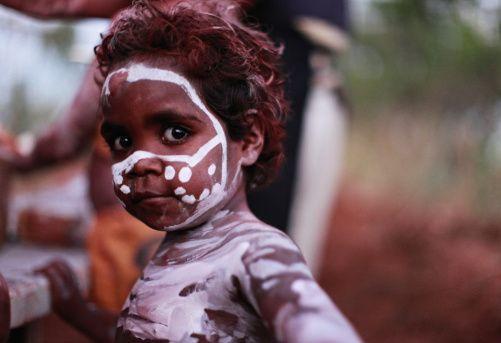 Aboriginal Finger Painting Face Paint Art Around The World Aboriginal Aboriginal People Aboriginal Culture