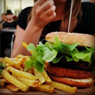 Dinner @ La table the Jenny was delicious!  #dinner #eating #foodie #foodbloggers #food #eten #restaurant #delicious #jenny #fries #hamburger #paulhan #france #frankrijk #holiday #vakantie #enjoying #enjoylife #lovemylife #lifestyle