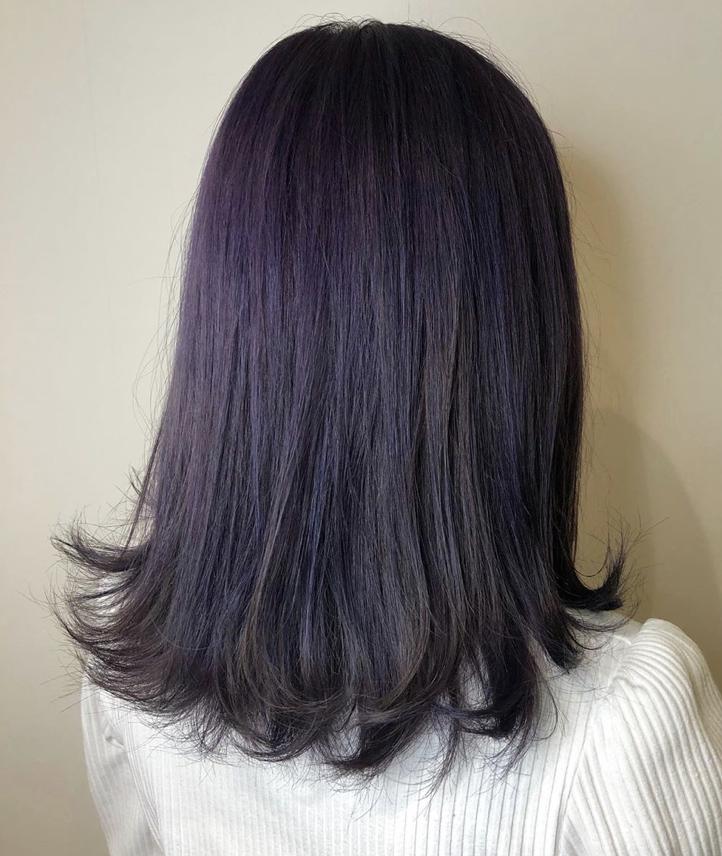 髪型 髪色 ヘアカラー ヘアスタイル トレンド 外国人風 透明感 小顔 人気 ダークアッシュ パープル バイオレット ラベンダー 紫 アッシュ ヘアスタイル ロング 髪 色 ヘアカラー