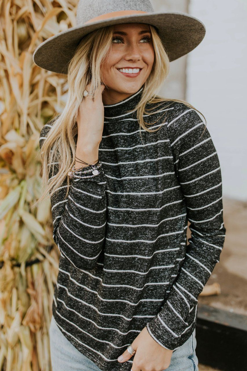 ca31b15df27 Stripe Pullover Sweater Outfit Ideas For Women
