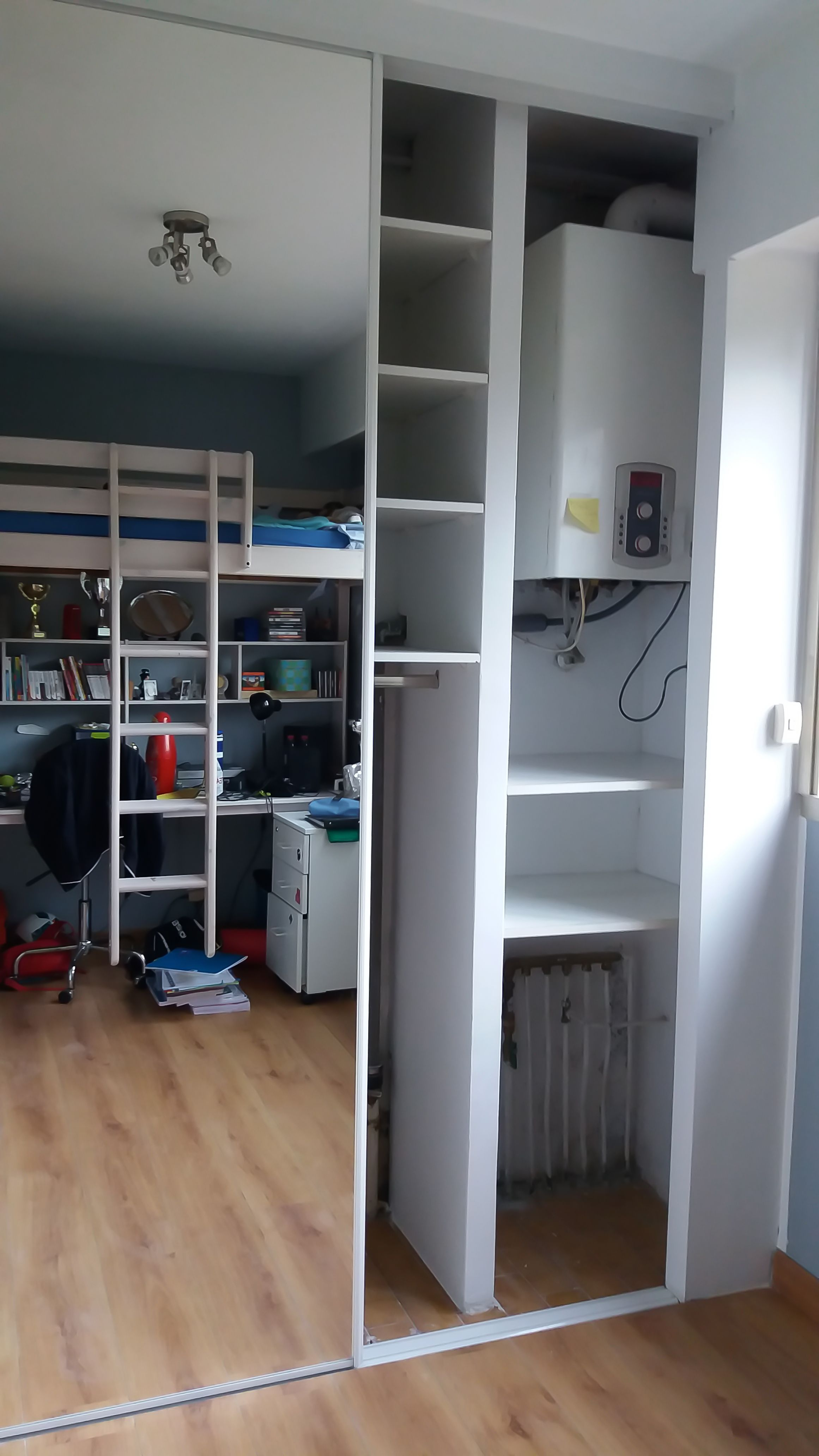 cloison en carreaux de pl tre construite pour cr er un nouveau placard applications de placo. Black Bedroom Furniture Sets. Home Design Ideas