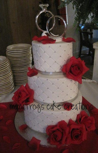 Red And Silver Wedding Cakes White Round Photos Pictures Weddingwire