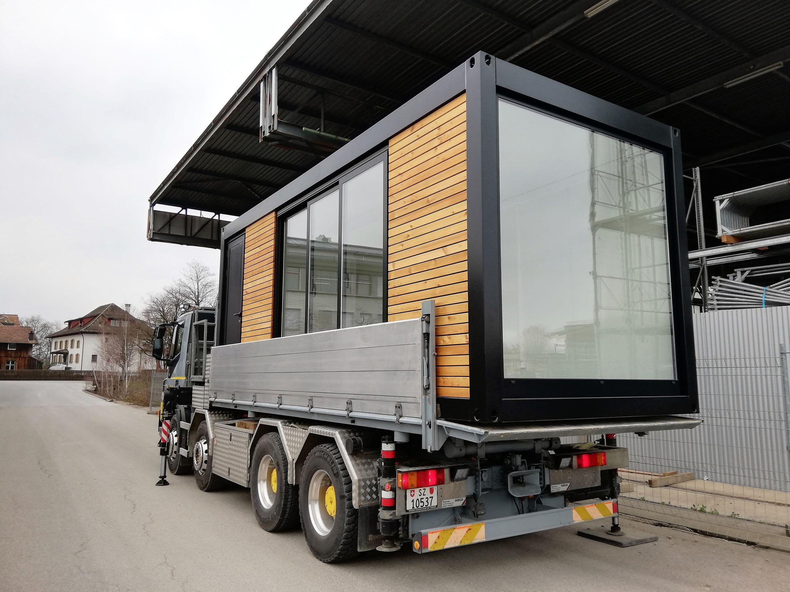 Standard Container Von Contdeluxe Fur Die Ganze Schweiz Container Wohnung Container Home Designs Container Hauser