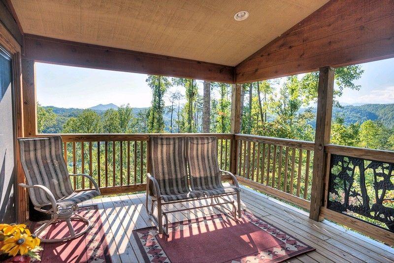 DOLLY BEAR 1 bedroom Cabin in Gatlinburg, TN | Gatlinburg/PF ...