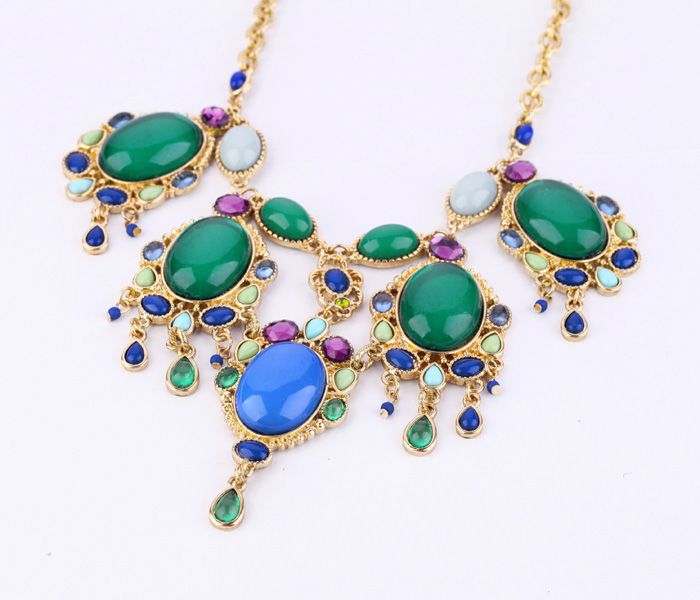 Sassy Artificial Gemstone Pendant Necklace  - New In