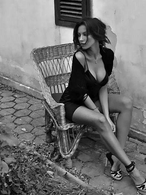 Submissive women pics 43