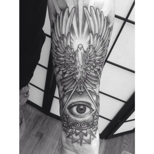 All Seeing Eye Tattoo Shoulder Google Search All Seeing Eye Tattoo Illuminati Eye Tattoo Third Eye Tattoos