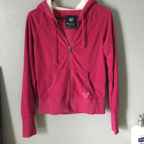 American Eagle - Fleece Zip-Up Hoodie - M It's a size medium, fits more like a small. Very warm! It's a rose-pink color. It's in great condition! The hood of it does have some pilling. American Eagle Outfitters Tops Sweatshirts & Hoodies