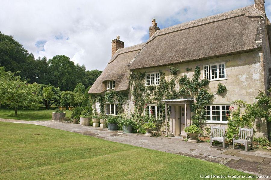 En angleterre un cottage vraiment cosy cottages for Jardin anglais en angleterre
