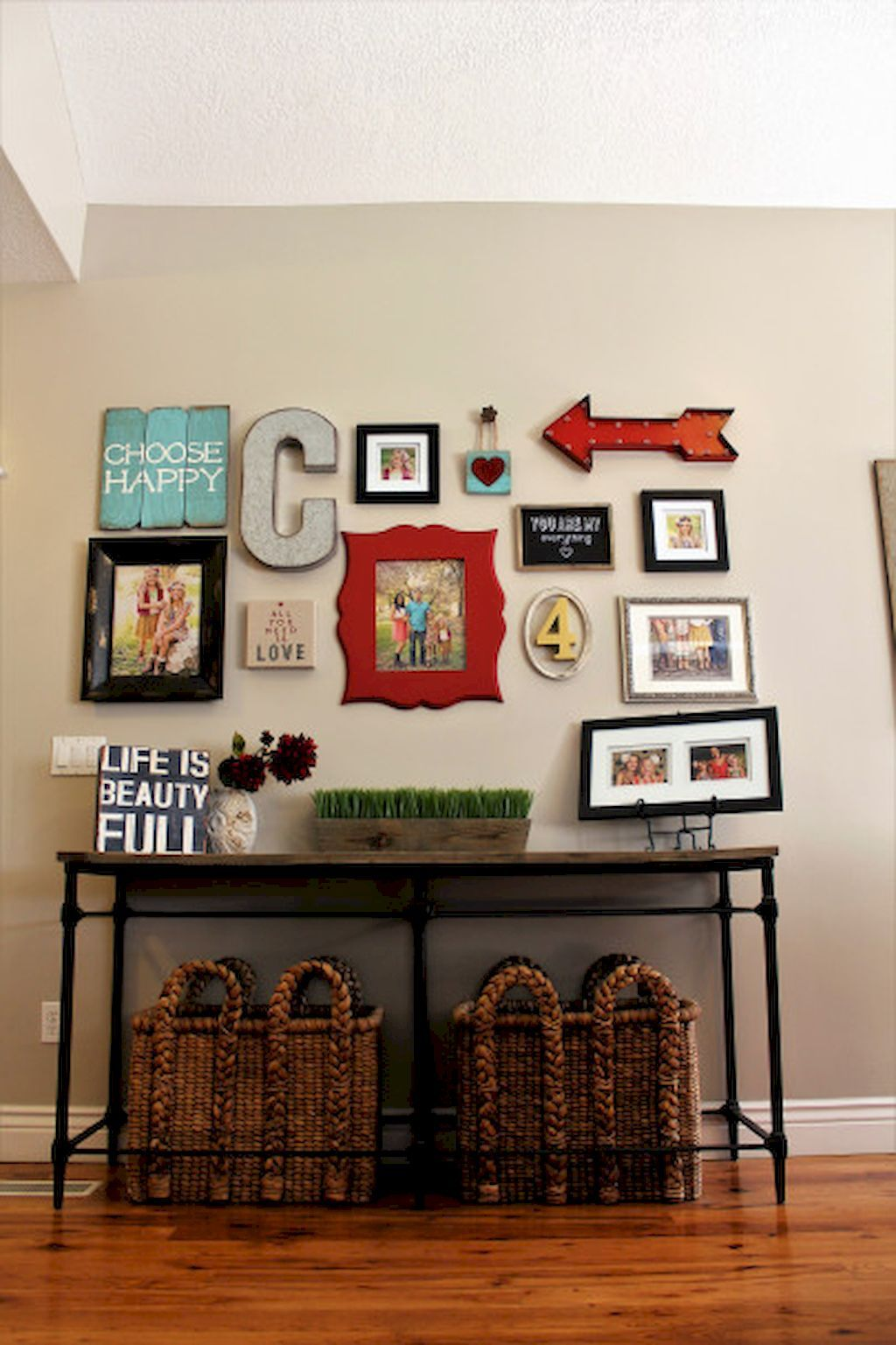 50 Beautiful Gallery Wall Ideas to Show Your Photos ...