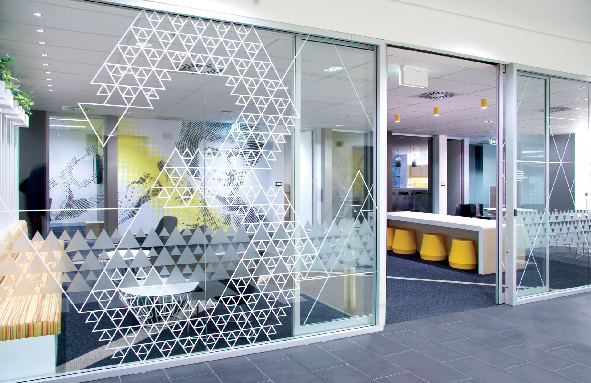 THERE design 3M level 3 wall graphics murs cloisons verre