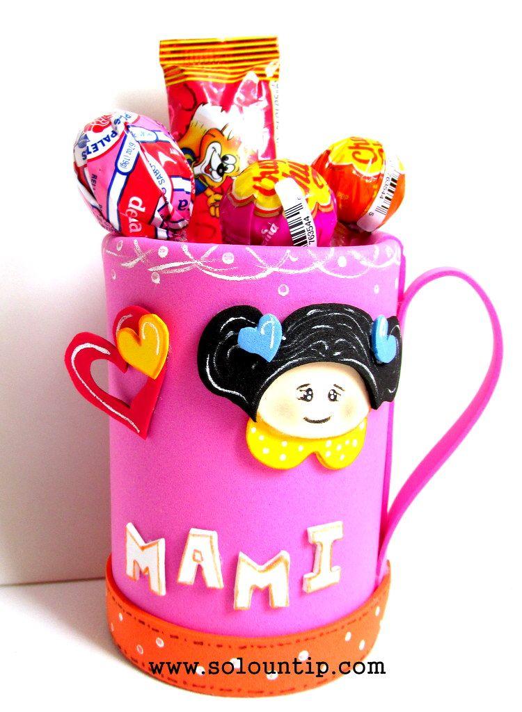 Manualidades para el d a de la madre en goma eva taza con - Como decorar una taza ...