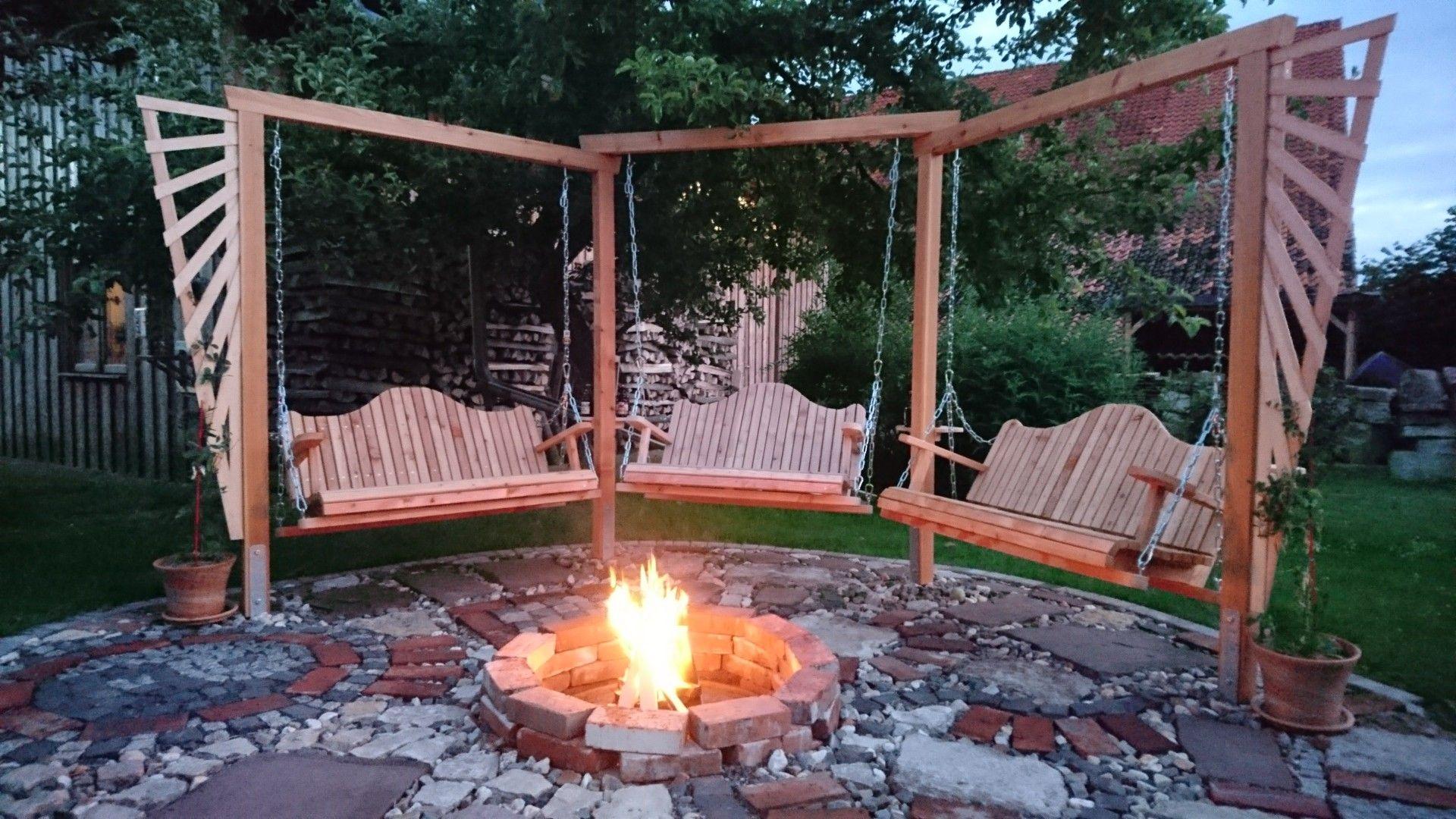 Chilloutarea Feuerstelle Mit Sitzecke Feuerstelle Garten Sitzecken Garten Garten