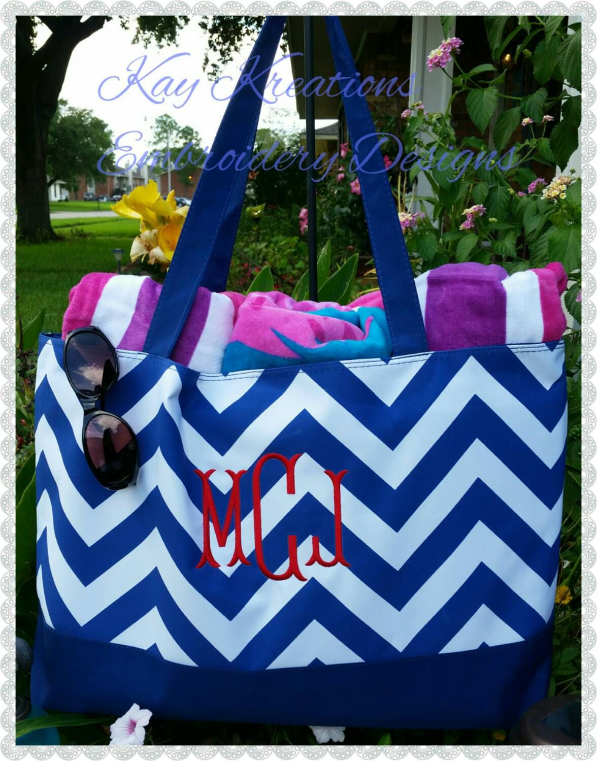 Monogrammed Beach Tote Navy/White CHEVRON with NAVY TRIM ...