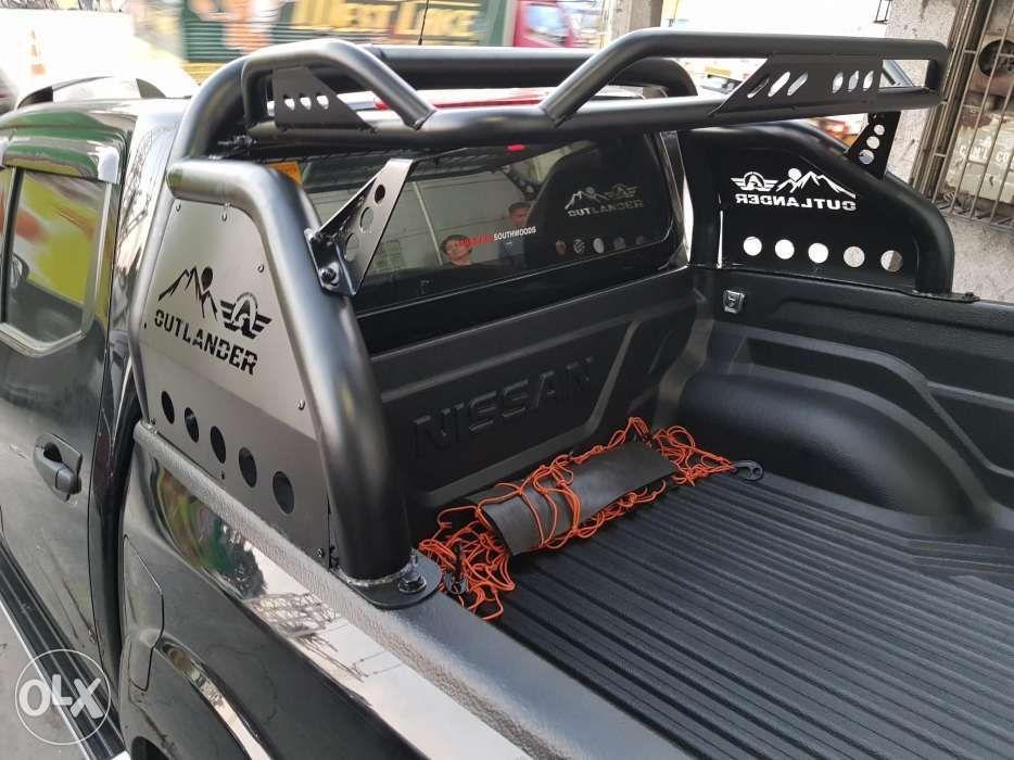Outlander Rollbar with Luggage roof Rack basket NP300 Revo