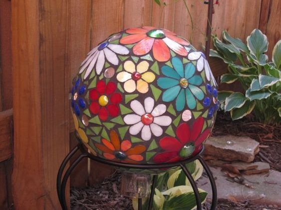 mosaic garden sphere is part of Mosaic garden art, Bowling ball yard art, Mosaic garden, Mosaic bowling ball, Garden balls, Garden spheres - ideas for mosaic garden sphere