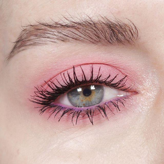 Wie man Wimperntusche perfekt wie ein Profi aufträgt (ohne zu verschmieren)?   – Mascara Step by Step