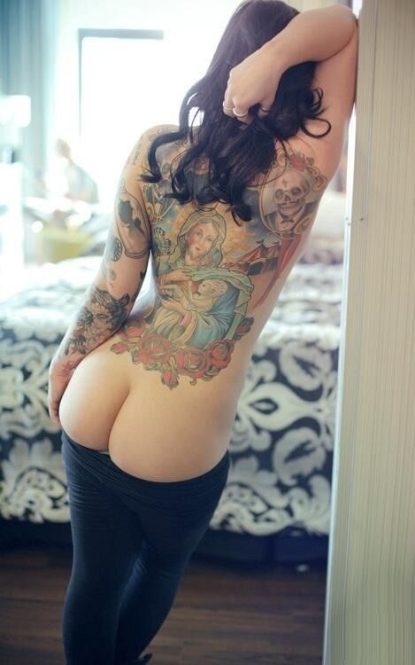 Tattoo milf with young girl