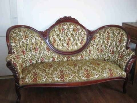 Victorian Floral Sofa Chaise With Beautiful Wood Carved Trim