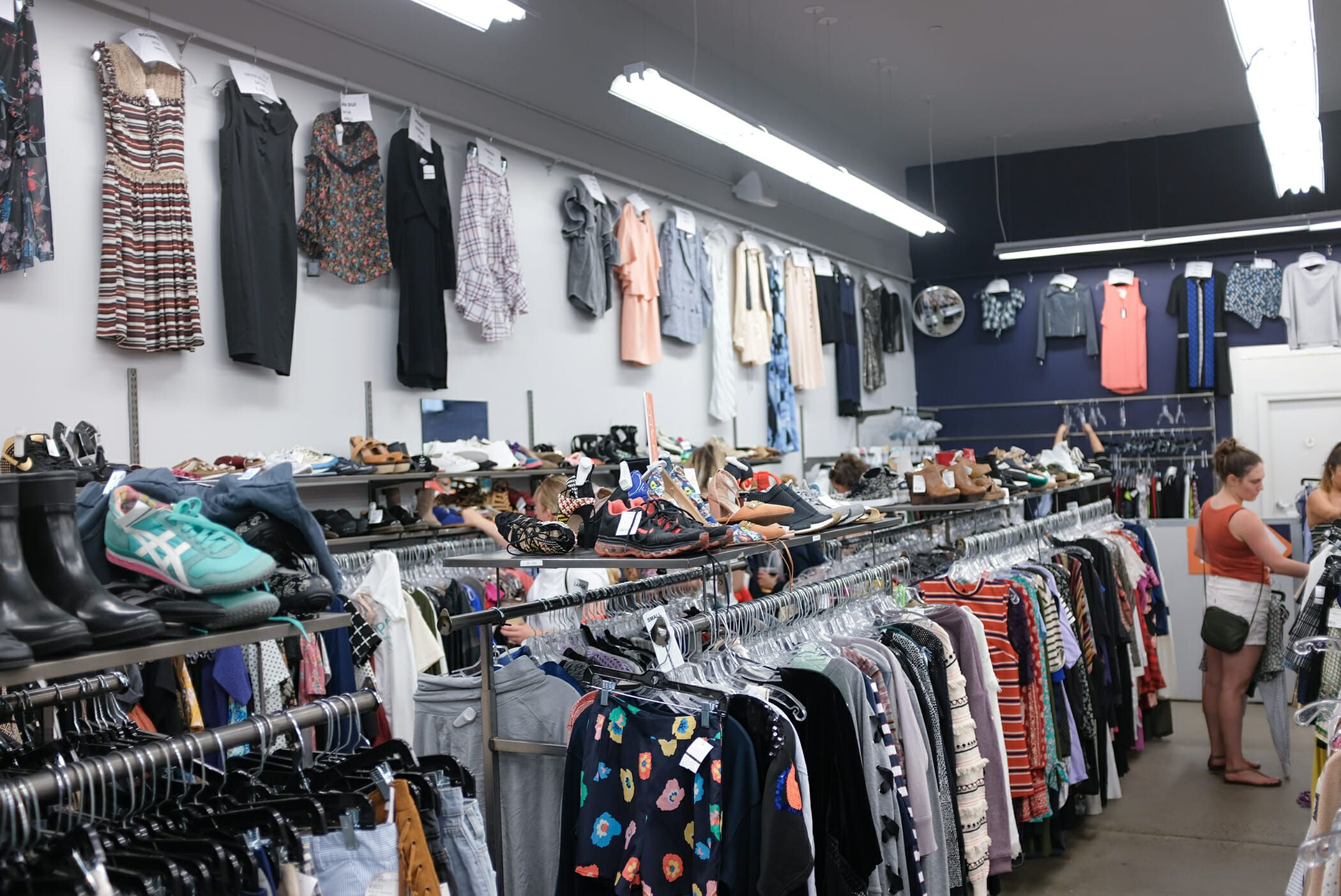 7fd76c8c4e A Guide to the Best Vintage and Thrift Stores in New York | I'd like ...