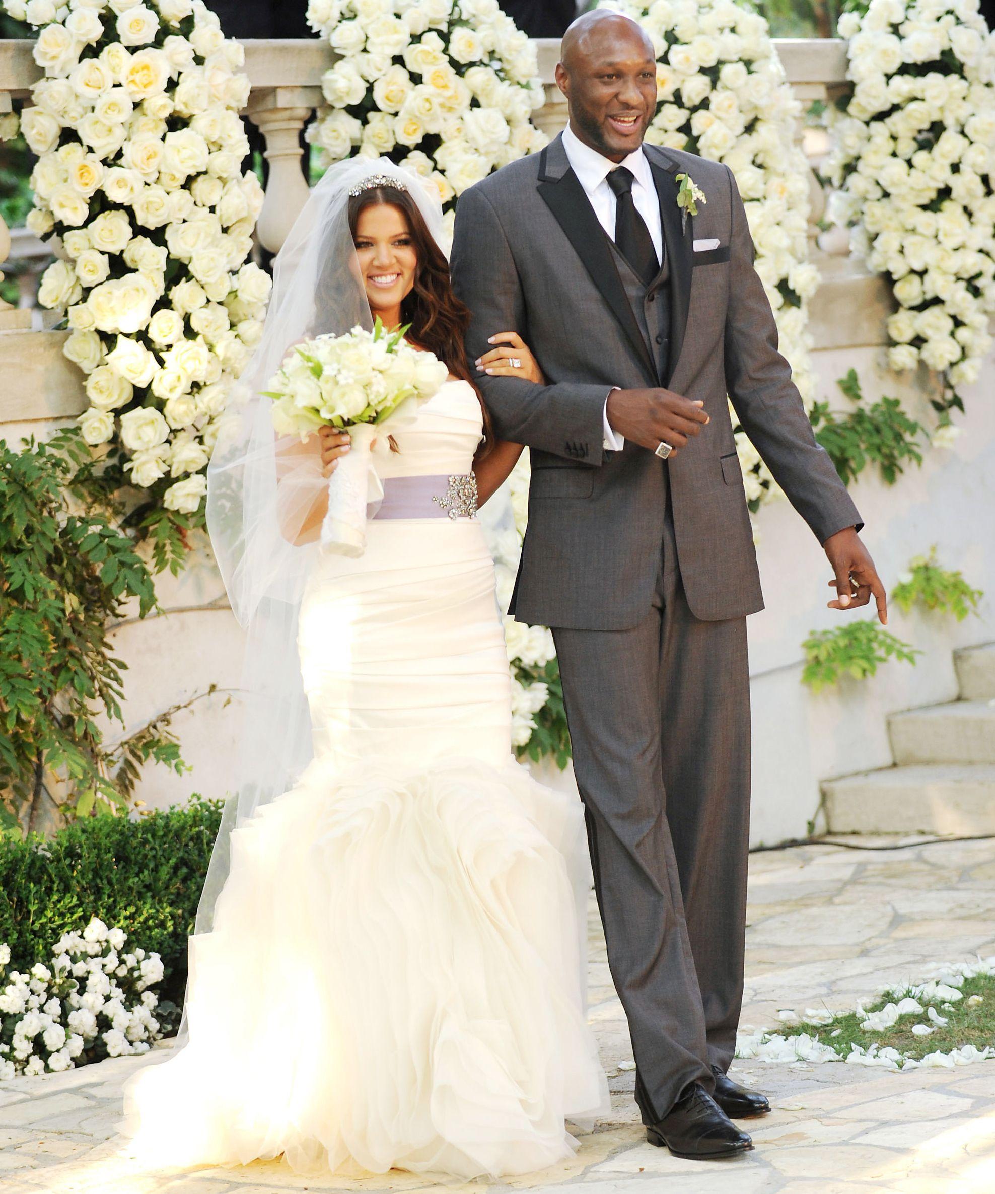 6 Celebrities In Vera Wang Wedding Dresses Khloe Kardashian Wedding Dress Kardashian Wedding Celebrity Bride