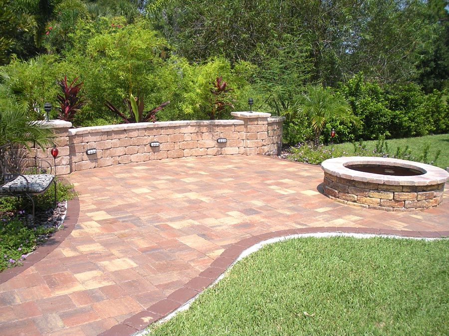 Brick Paver Patio, Firepit And Freestanding Wall Stonehurst Autumn Blend Brick  Pavers, Keystone Stonegate Awesome Ideas