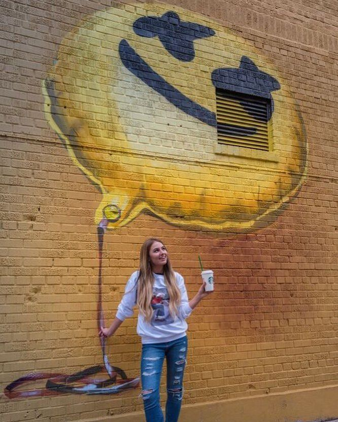 Marshmello Happier mural. NYC mellomakesmehappier