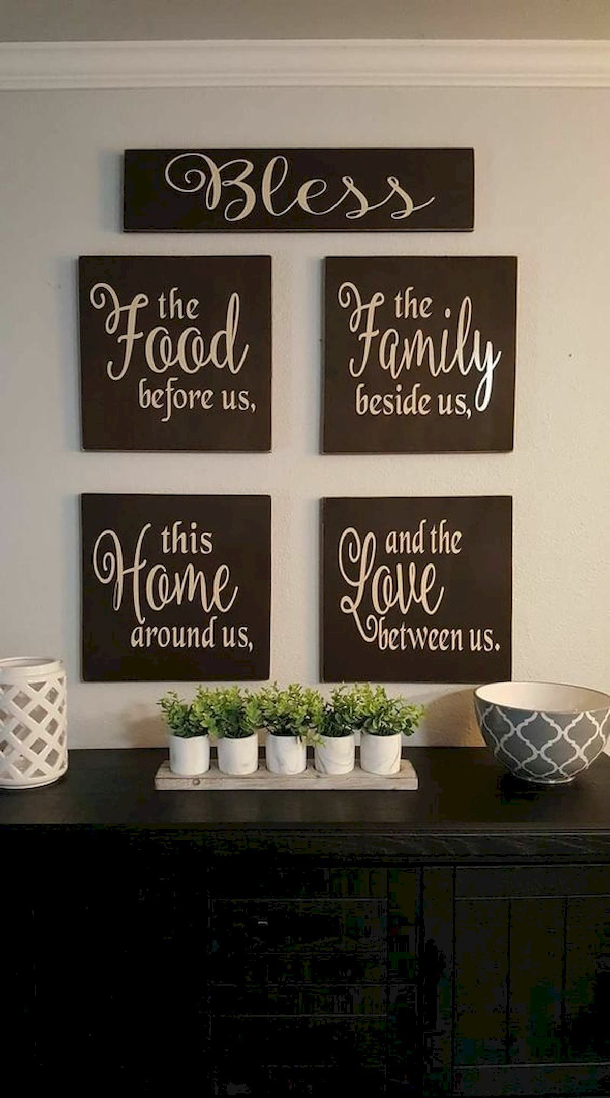 25 Casual Dining Room Wall Decor Ideas With Art And Paint Walldecorlivingroom Walldecorlivingroom Diy Pallet Wall Art Dining Room Wall Decor Diy Pallet Wall
