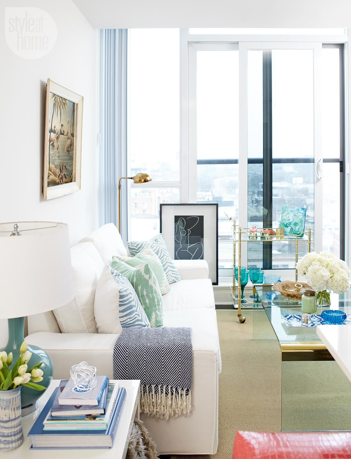 A 500 Square Foot Condo In The City Is Transformed Into Stylish