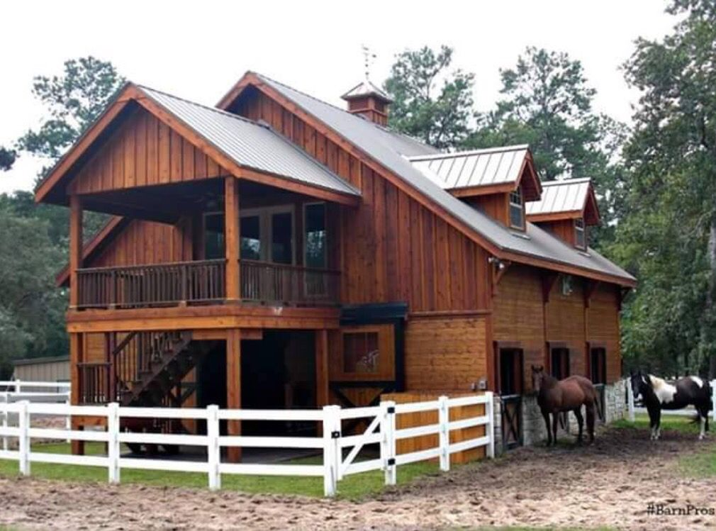 Awesome Barn With Living Quarters Above! Want!