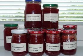 Jahodová marmeláda připravená ze dvou kilogramů jahod
