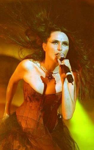 Sharon den Adel: Front lady for Within Temptation.