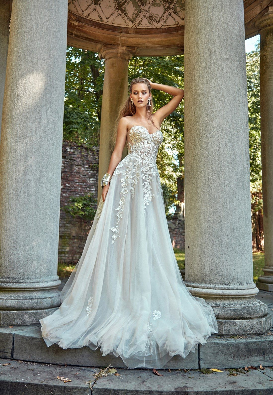 76 Strapless Wedding Dresses For Every Bridal Style | Brides ...