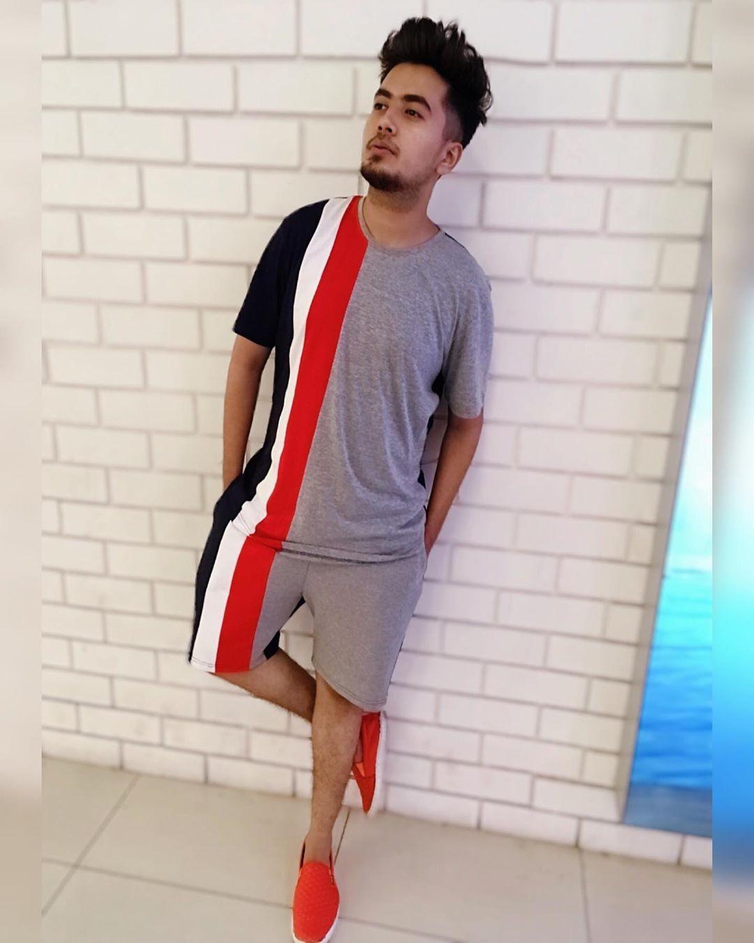 """Cuando amor no es locura no es amor. (When love is not madness it is not love.)"" - Danish proverb  #amanhighonlife #fashionmen #menfashionreview #menshair #mensfashion #fashionmens #hairmenstyle #menstreetstyle #fashionmenswear #menfashionblogger #mensweardaily #highfashionmen #menstylefashion #mensfashionreport #highfashionmen @fugazeeinc #fugazee #fugazeeinc  #mensstyle #mensoutfit #menwithstreetstyle #menhairstyles #mensstyleblog #menfashioner #menshairfashion #streetwear #highfashionmen #me"