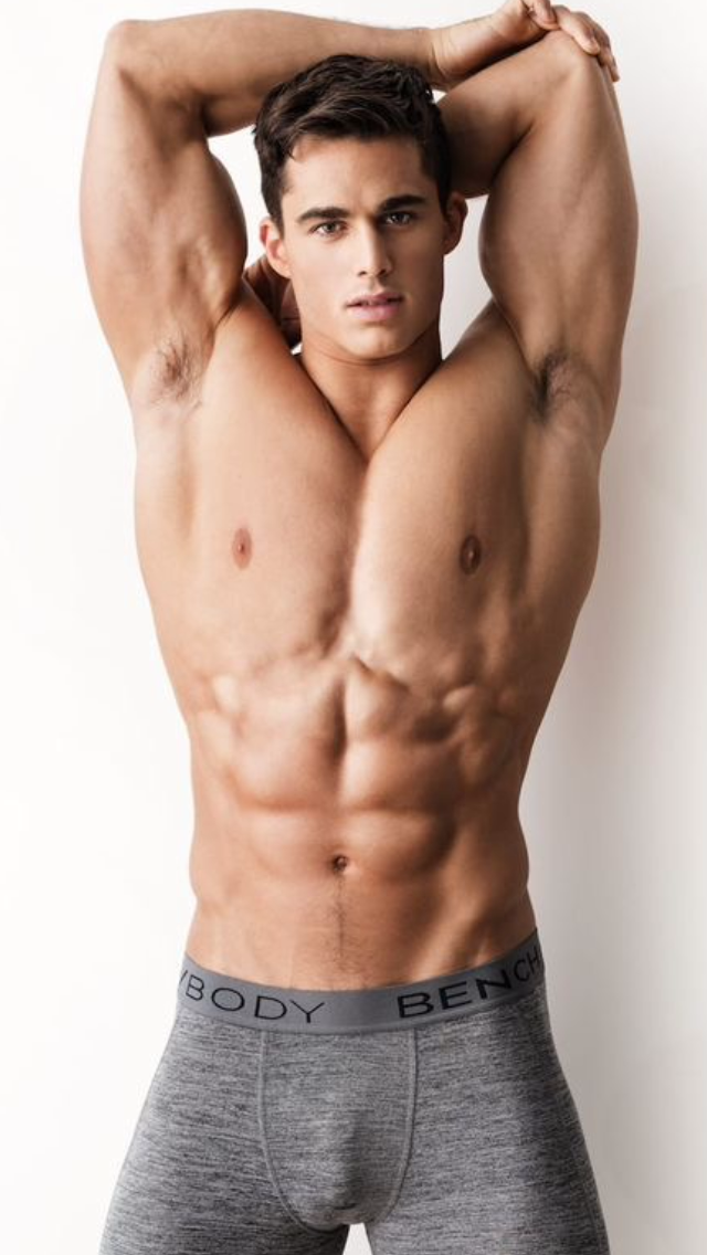 erkek naked enrique