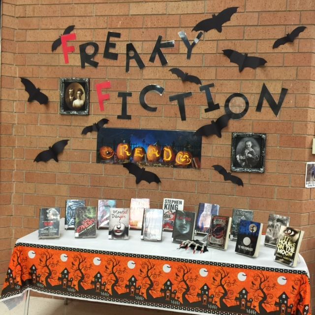 library display ideas for october - Halloween Display Ideas
