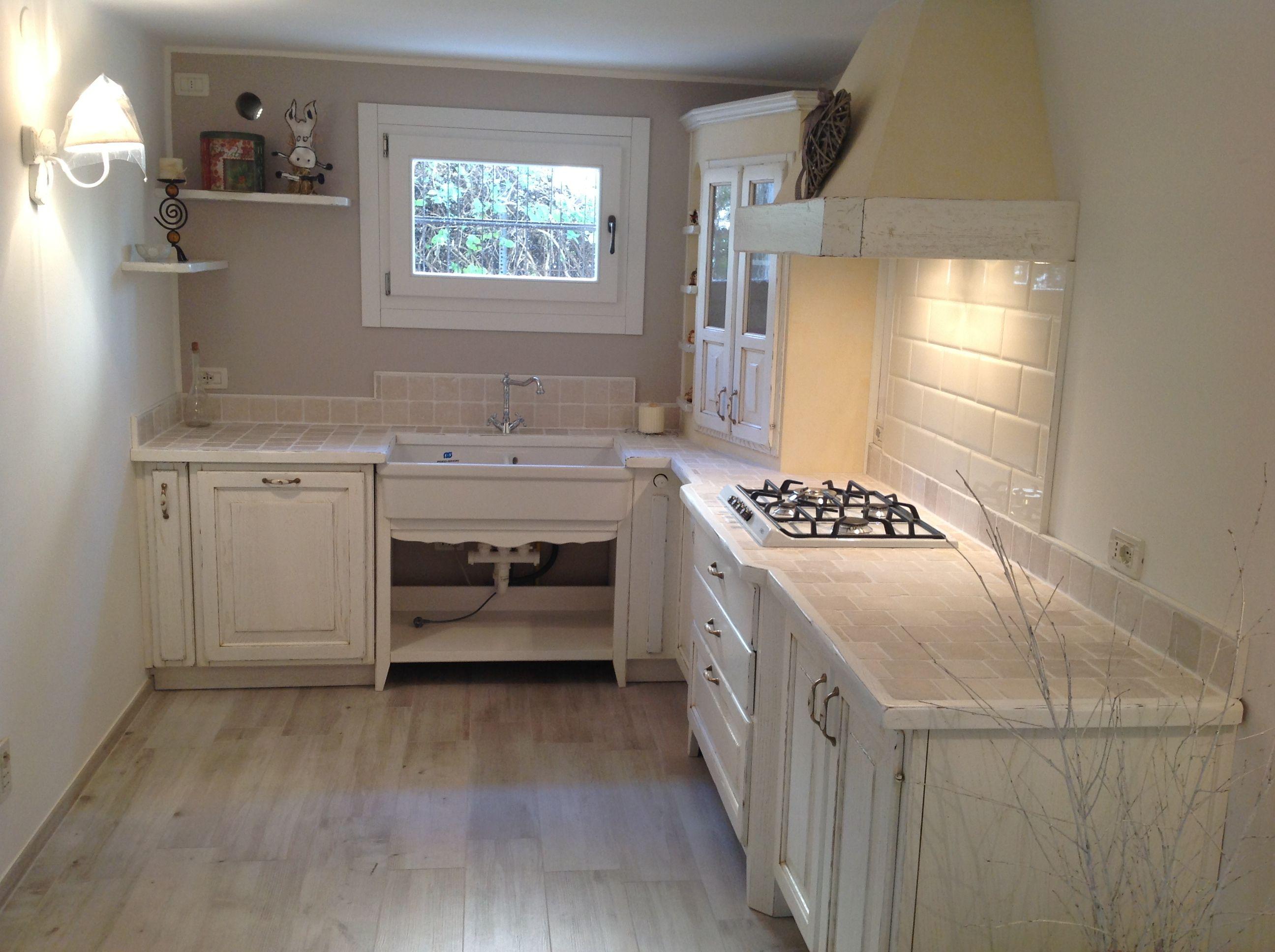 cucina in muratura in stile provenzale | Cucina in muratura ...
