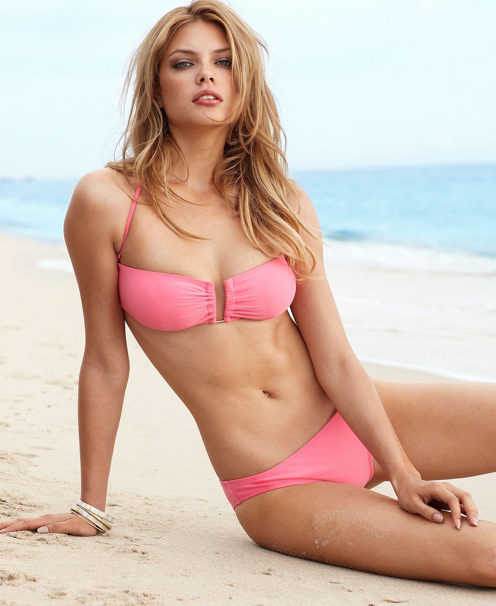 Here 39 S Model Masha Philippova In Our Modelspotting Series