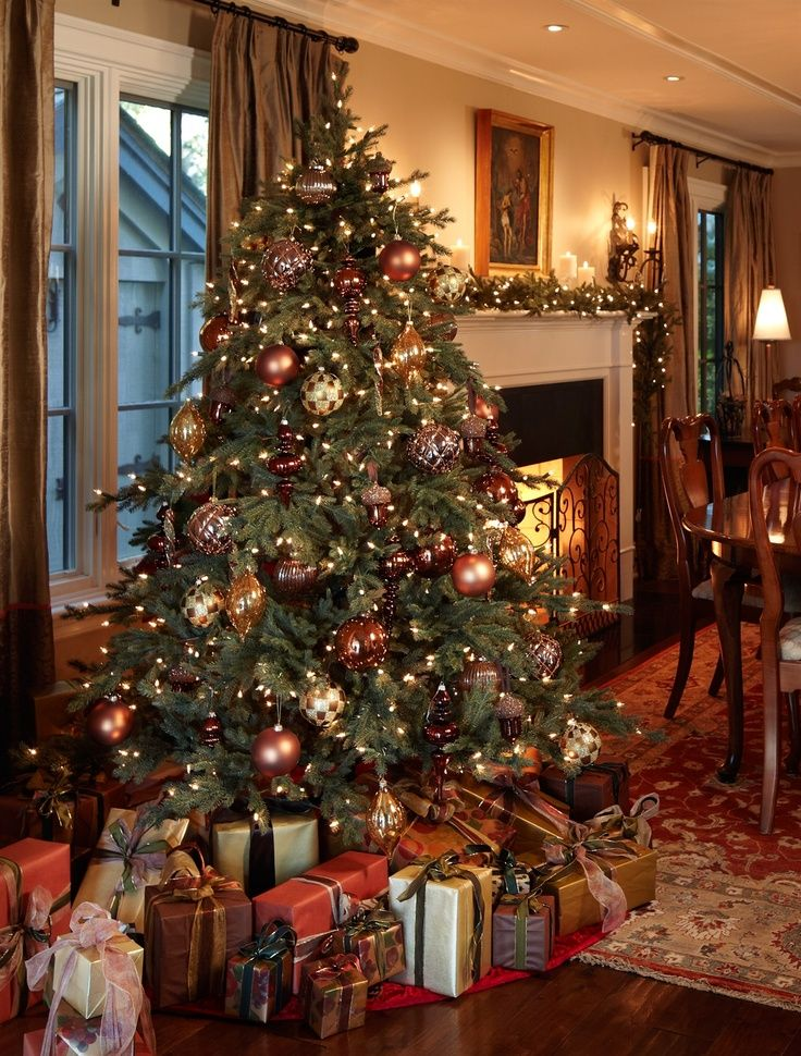 30 Glorious Victorian Christmas Tree Decoration Ideas | Victorian ...