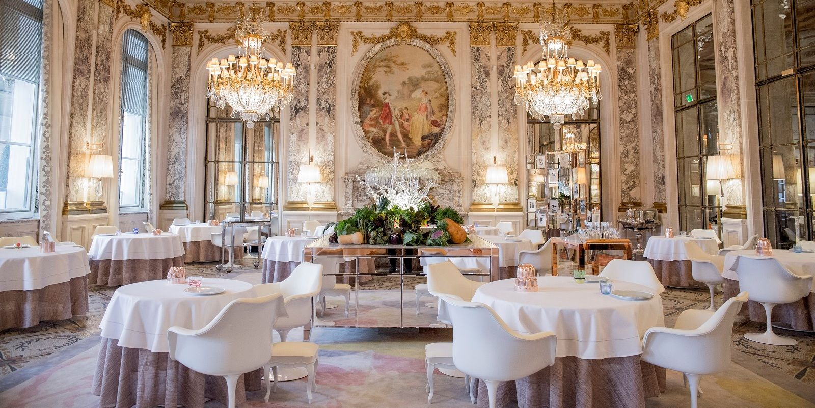 Restaurants And Bars At Le Meurice Dorchester Collection Paris Restaurants Paris Hotels Best Paris Hotels